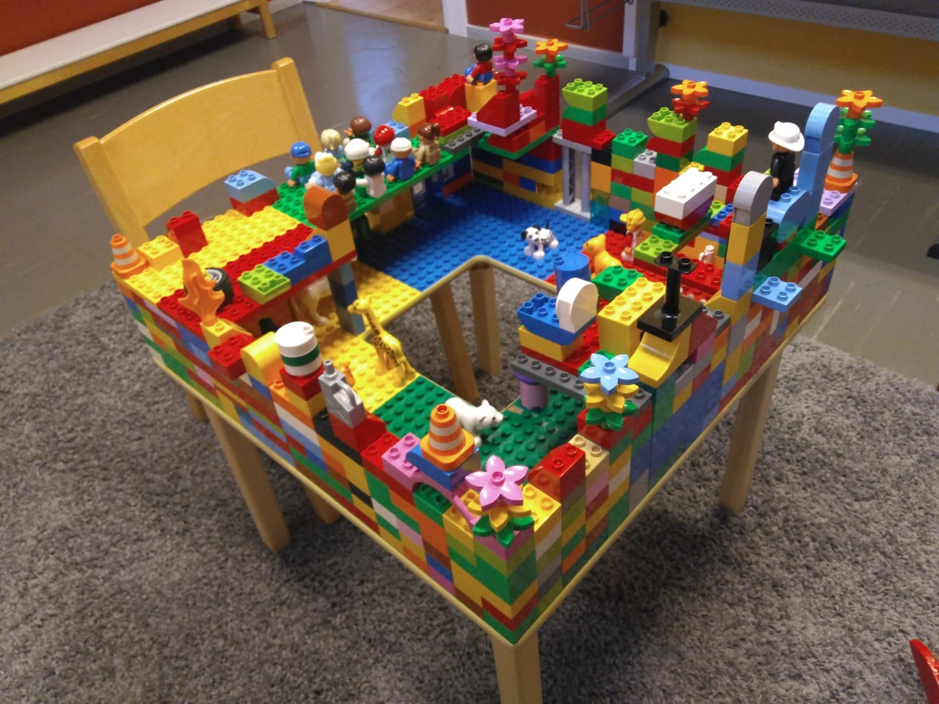 Legopöytä